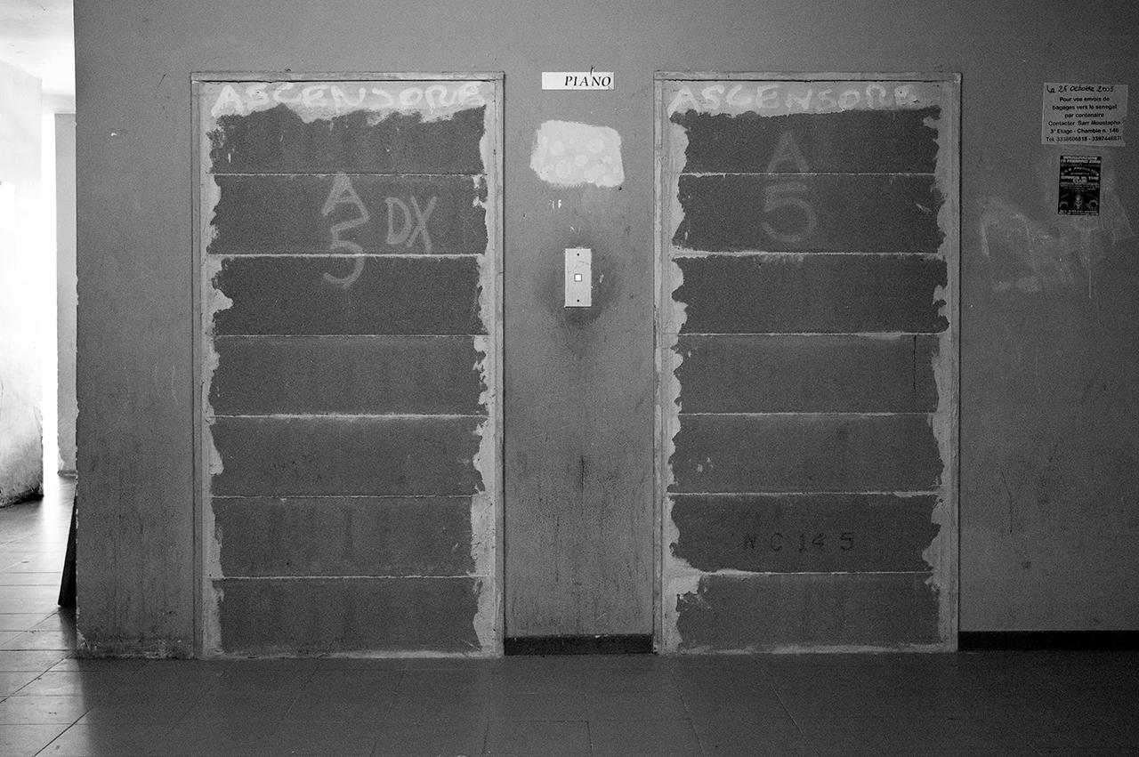 Residence Bravetta, Roma  2006, gli ascensori.